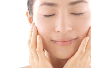 炭酸水洗顔の方法。肌荒れに効果的?