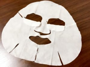シートマスク効果なし?顔・肌が乾燥するってホント!?使い方に注意